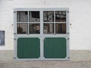 Stalltor Sprossenfenster