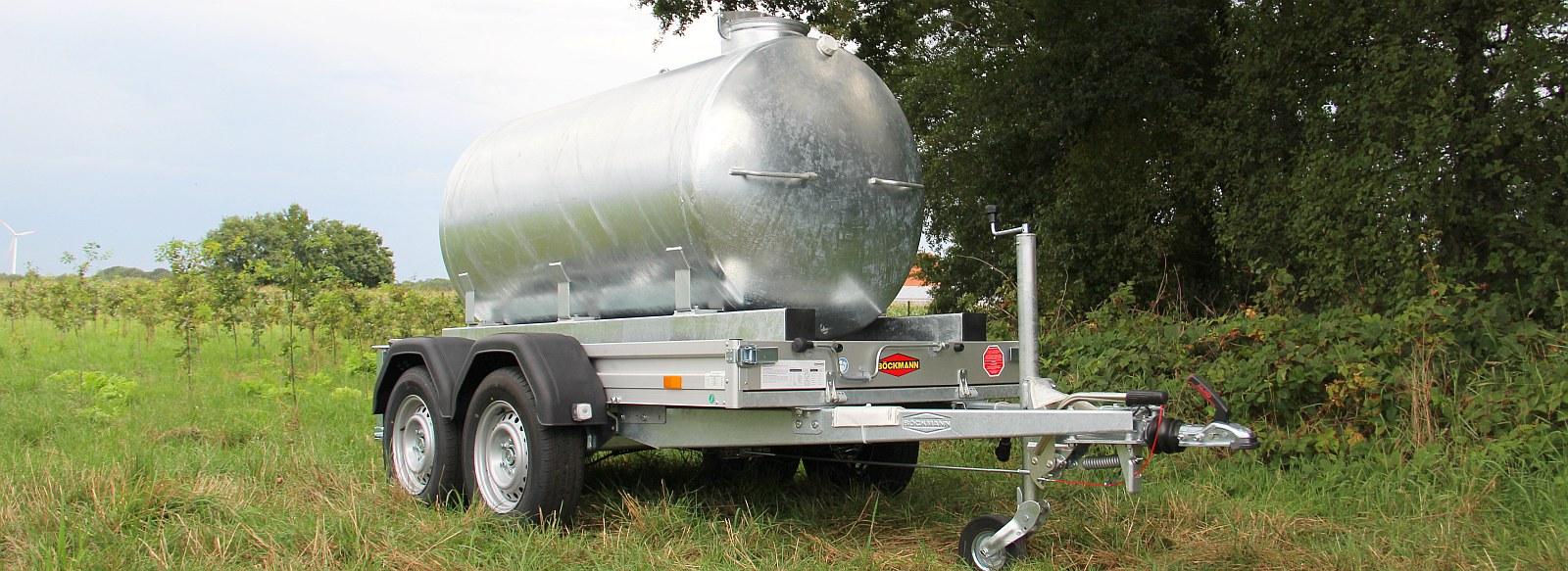 Wasserfasswagen